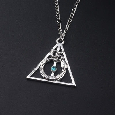 Collier Triangle Serpent