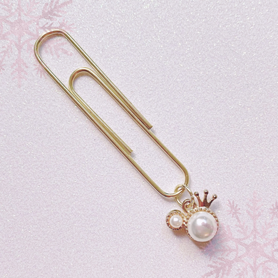 DANGLES: Pearl Mickey