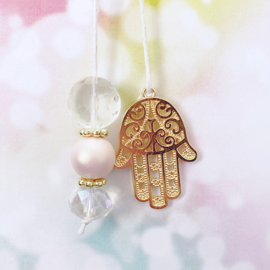 GOOD VIBES: Golden Hamsa