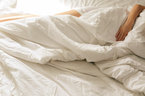 4 Sleeping Positions to Reduce Back & Neck Pain