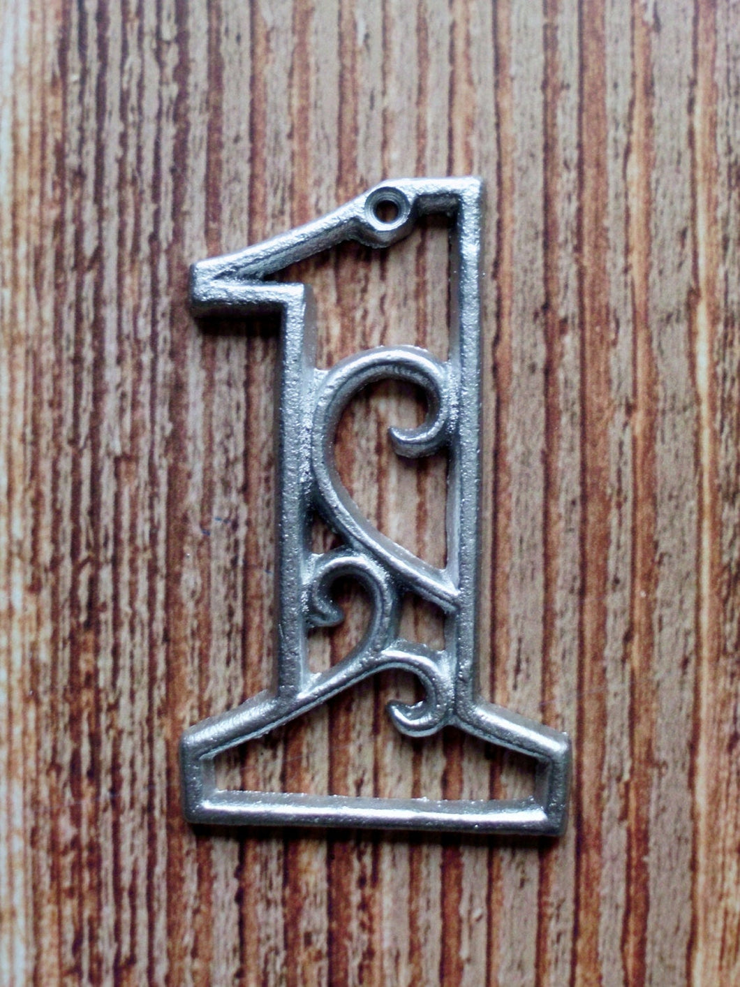 House Number One Metallic Silver Cast Iron Wall Hangers Decorative Victorian Decor 4.5 inches Table Numbers