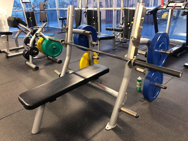 COMMERCIAL FLAT BENCH PRESS WNQ