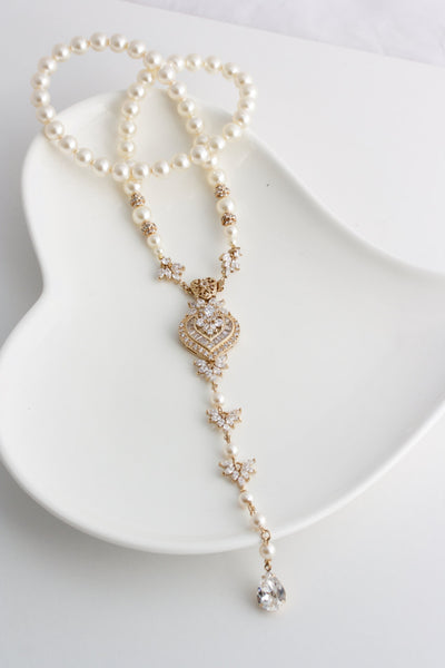 Evie Gold Pearl Backdrop Wedding Necklace - Lulu Splendor
