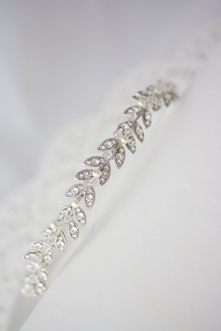 Neve Simple Silver Crystal Leaf Tiara - Lulu Splendor