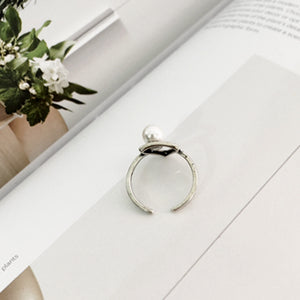 Triangle Modern Pearl Ring