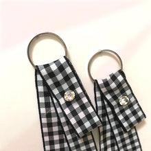 Load image into Gallery viewer, ESN043-Checkered Ribbon Earrings