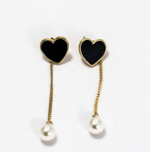 Load image into Gallery viewer, ESN037-Dangle Heart Earrings