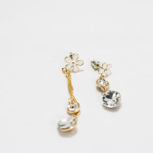 ESN038-Dangle Flower Earrings