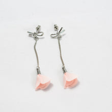 Load image into Gallery viewer, ESN040-Dangle Rose Earrings