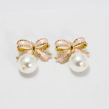 Load image into Gallery viewer, ESN041-Ribbon Pearl Earrings