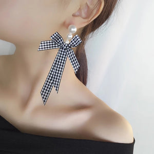 ESN029-Checkered Pearl Bow Earrings