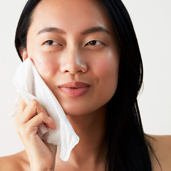 Photo of Model using Glacial Cleansing Cloths