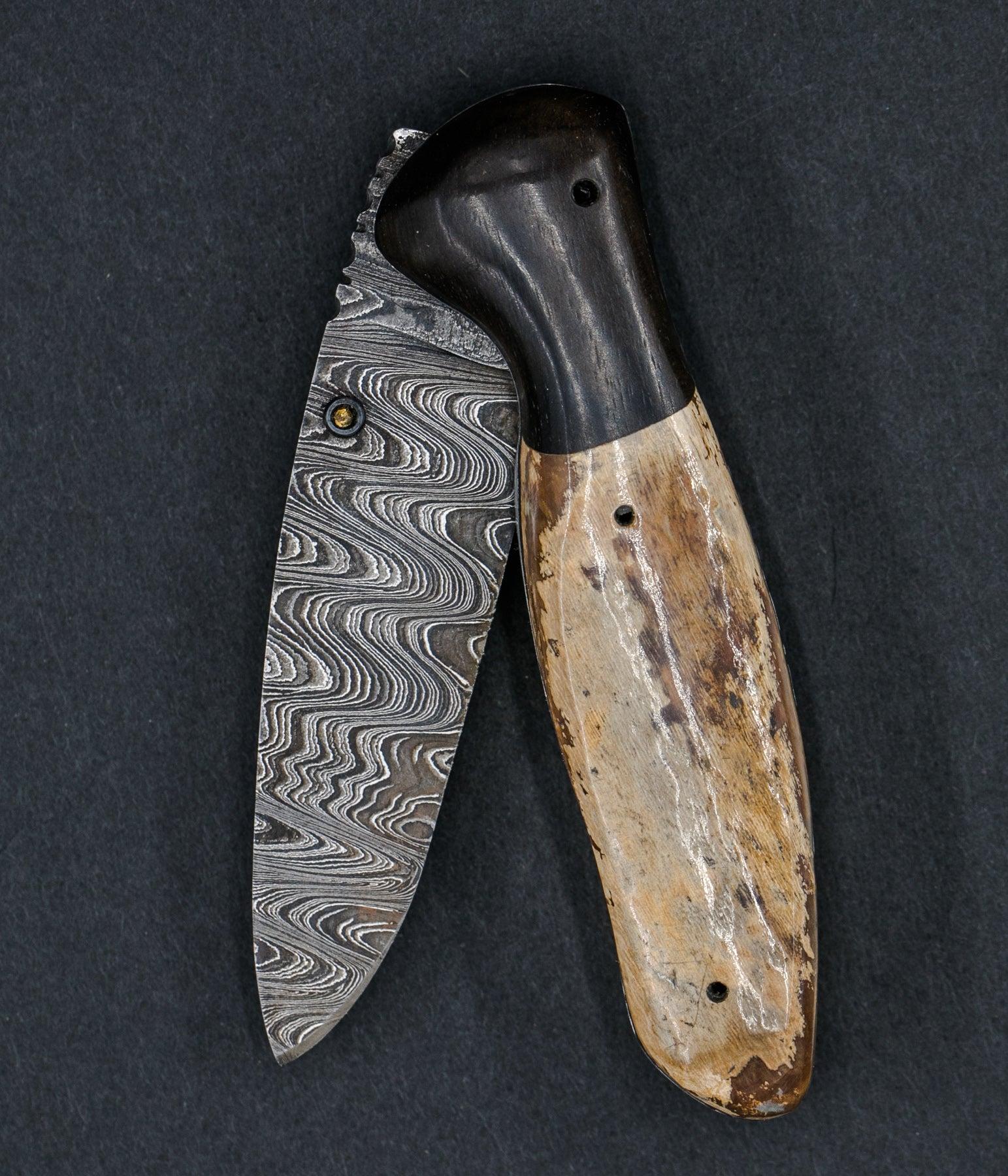 Green Mosaic Woolly Mammoth Ivory and Ebony Medium Linerlock