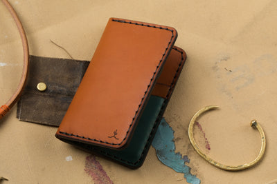 One-of-a-kind Vertical Card Wallet