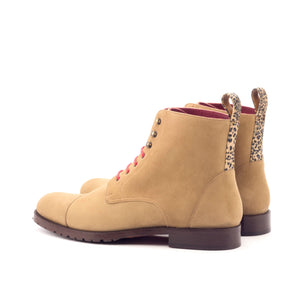 Women's Lace Up Captoe Boot (Brown)