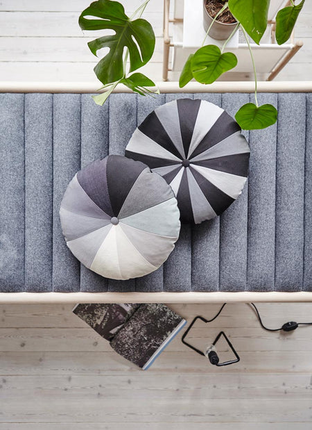Gradient Cushion – Grey - Place de Bleu