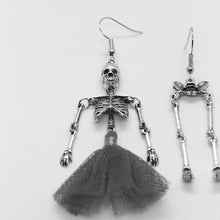 Charger l'image dans la galerie, Gothic Dark Stylish Skeletons Danlge Earrings For Women Vintage Halloween Punk Black Dress SKull Drop Earrings 2019 femme bijoux | Tête De Mort Passion Shop