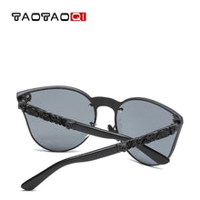Charger l'image dans la galerie, TAOTAOQI Luxury Mirror Leg Sunglasses Women Brand Designer Large Lens Cat Eye Sunglasses Men UV400 Skull Decorative Glasses | Tête De Mort Passion Shop