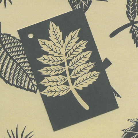 Linocut Leaves gift tag
