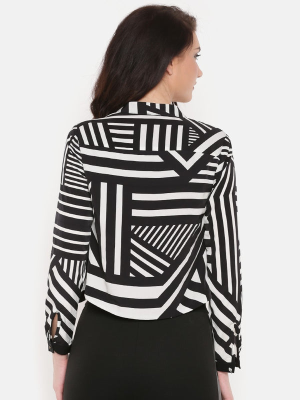 GEOMETRIC WHITE AND BLACK JACKET