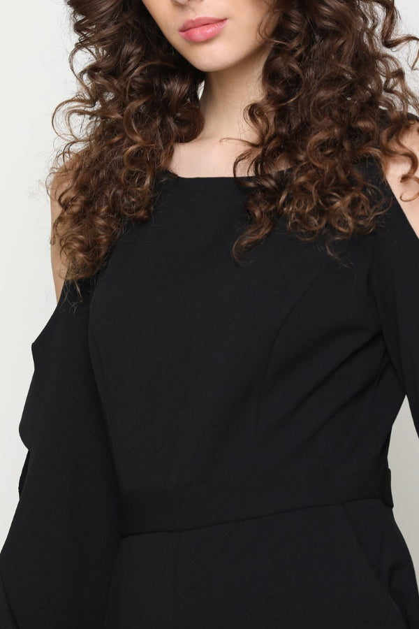 BLACK SOLID COLD SHOULDERED JUMPSUIT