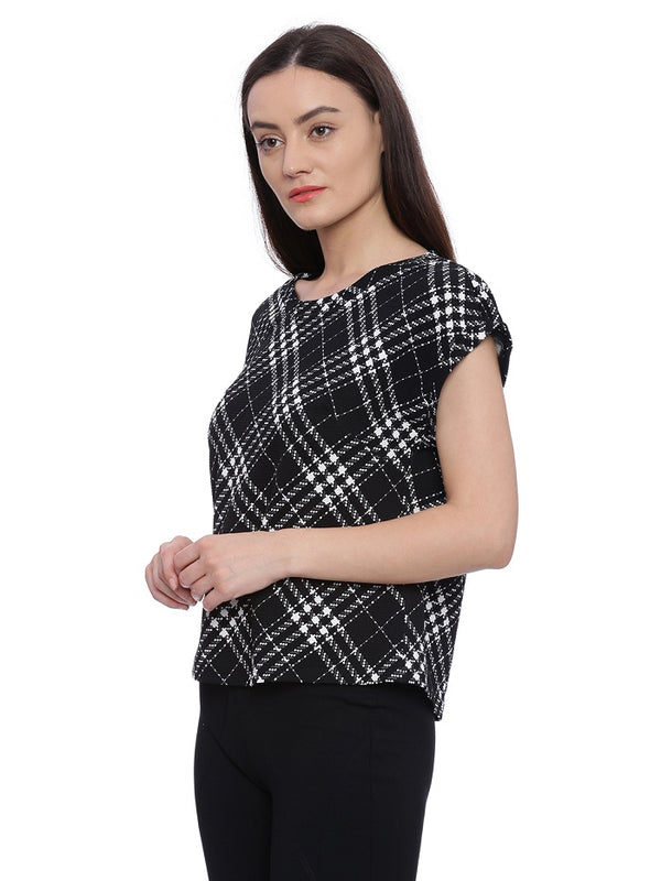 Black short sleeves top