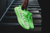 Yeezy 350 Boost v2 Glow In The Dark - HDG.sales