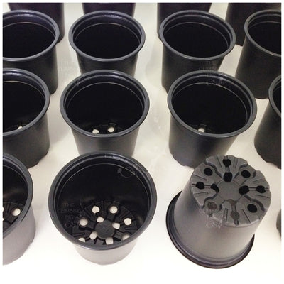 120mm Teku Round BLACK Plastic Pots. Ideal for potting seedlings & herb plants