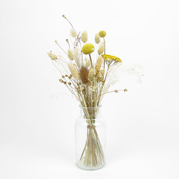 Small dried arrangement in vase No2