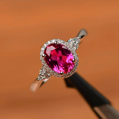 Luxury Engagement Rose Red Oval Ring