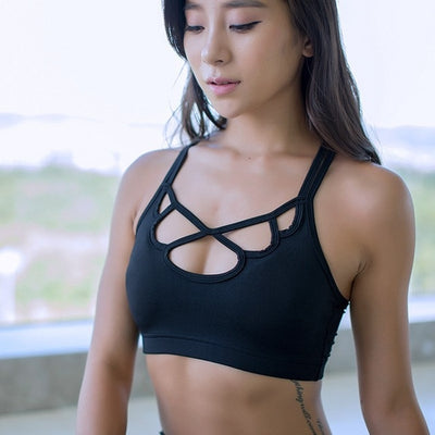 Black-Women's sports bra for running with thin straps
