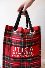 Load image into Gallery viewer, Plaid Holiday Drink Tote (4 bottles)