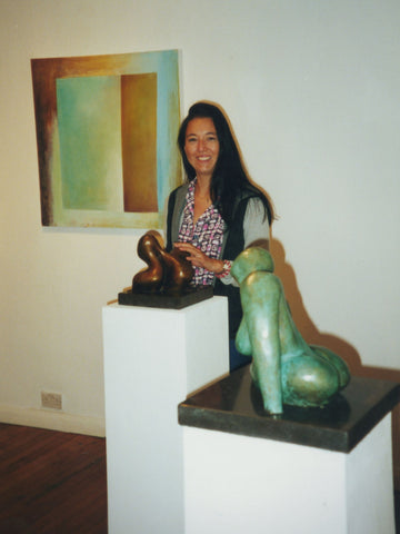 2000 Broomhil Art Hotel - Tomiko with sculptures
