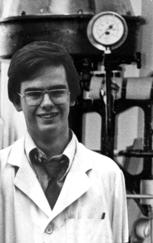Stephen Williams – Writer of fiction working as a laboratory technician