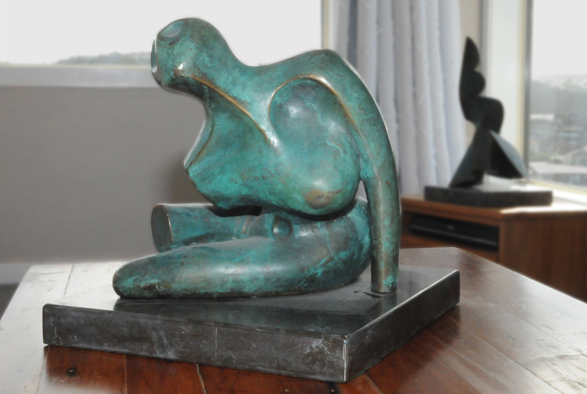 Abstract female bronze figure sculpture by Stephen Williams | New Zealand