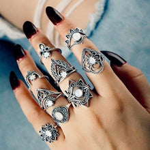 Load image into Gallery viewer, Vintage Knuckle Rings - Set9 Double Crown - Rings