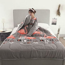Load image into Gallery viewer, Winter Lazy Quilt with Sleeves - gray bird / 120X160CM