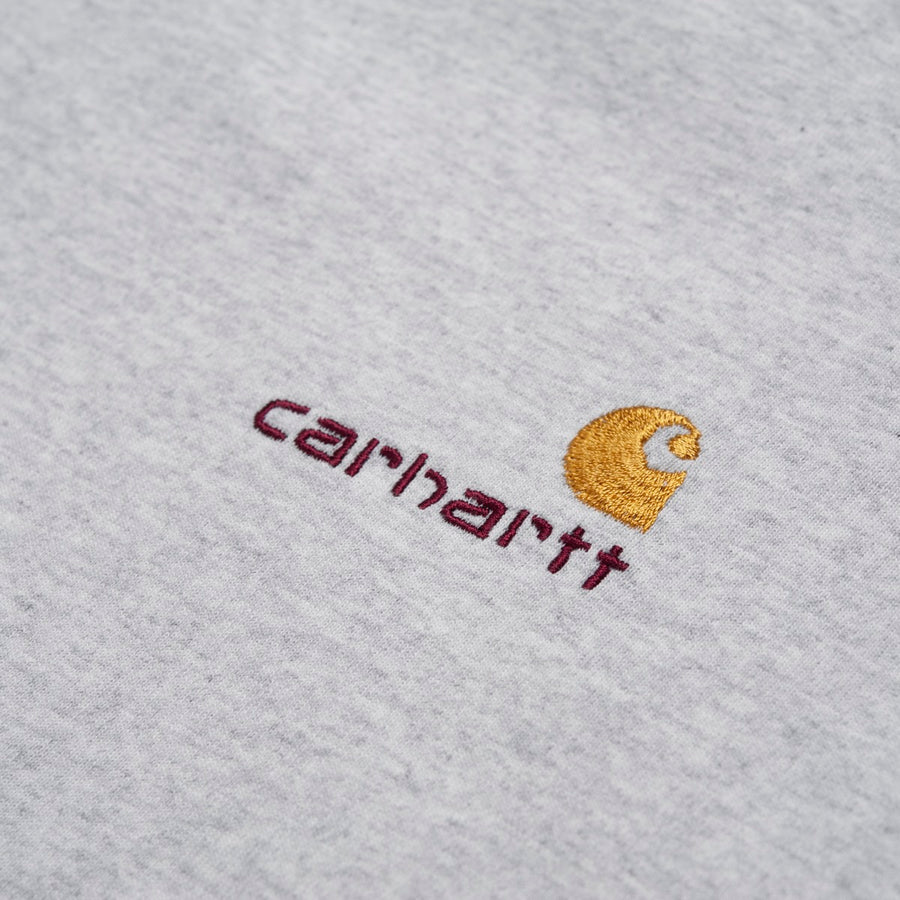 Carhartt american script logo detalje close up