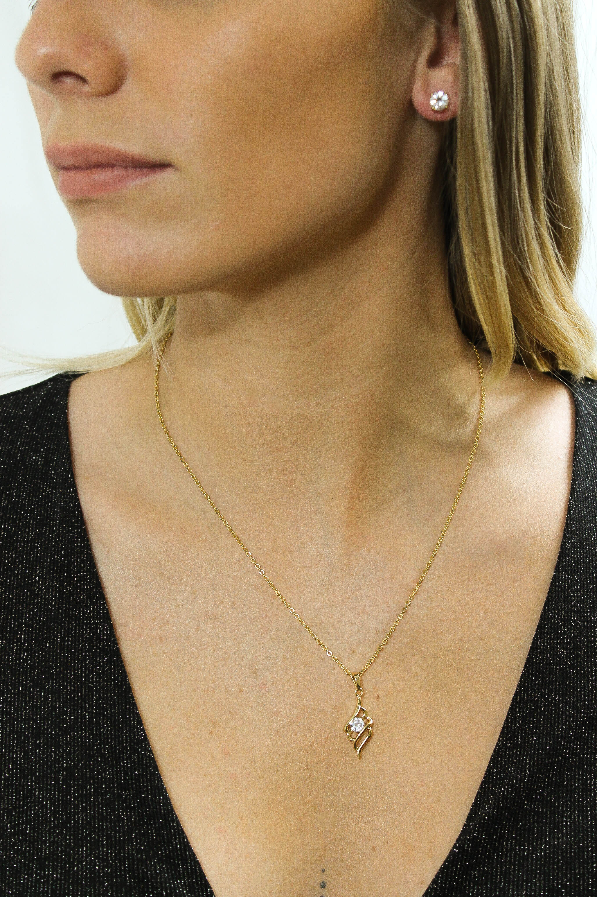 Lily pendant necklace in gold colour with cubic zirconia crystal