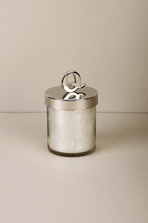 Monogram Lid Q | Scented Candle