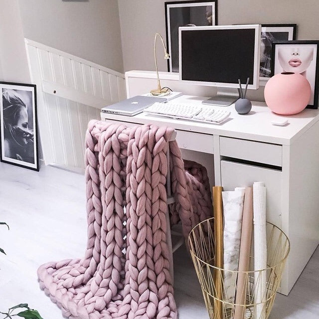 Merino Wool Oversized Knitted Pink Blanket