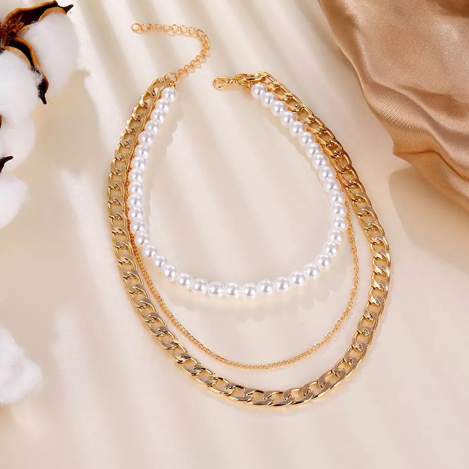Lili Linked Pearl Chain Layer