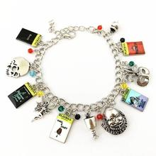 Load image into Gallery viewer, Charm Bracelet 20 BWSHK
