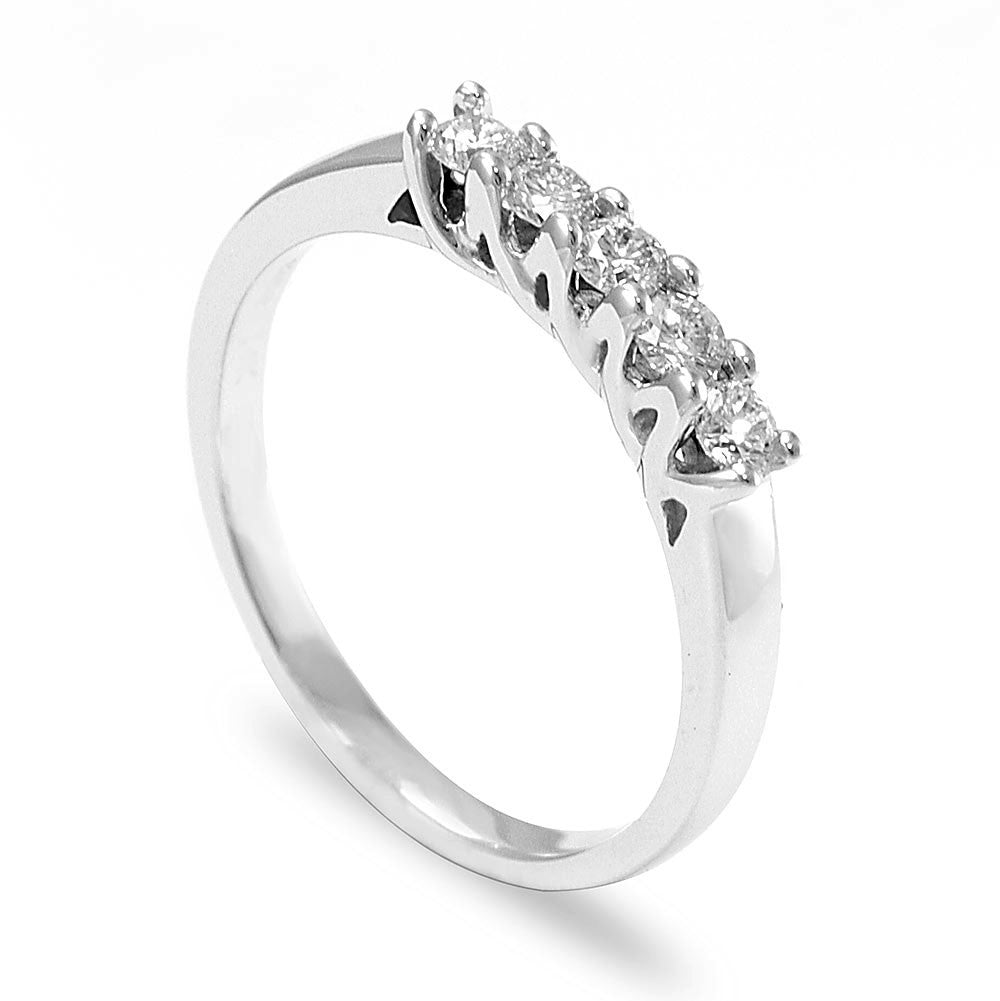 5 Diamonds Ladies Ring in 14K White Gold