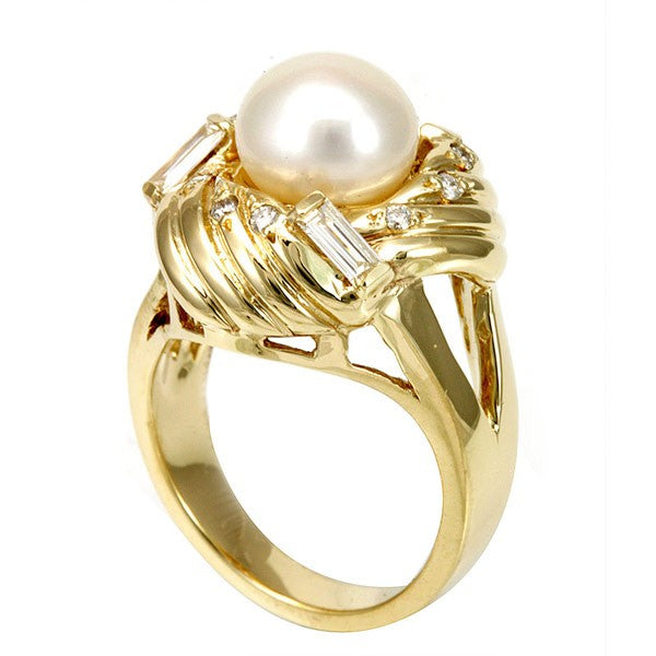 14k Yellow Gold Ladies Ring with Pearl, Baguette and Round Diamond