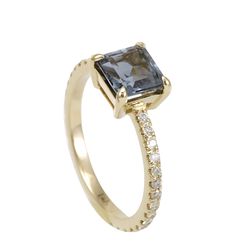 Blue Tourmaline and Diamond Ring in 14K Yellow Gold