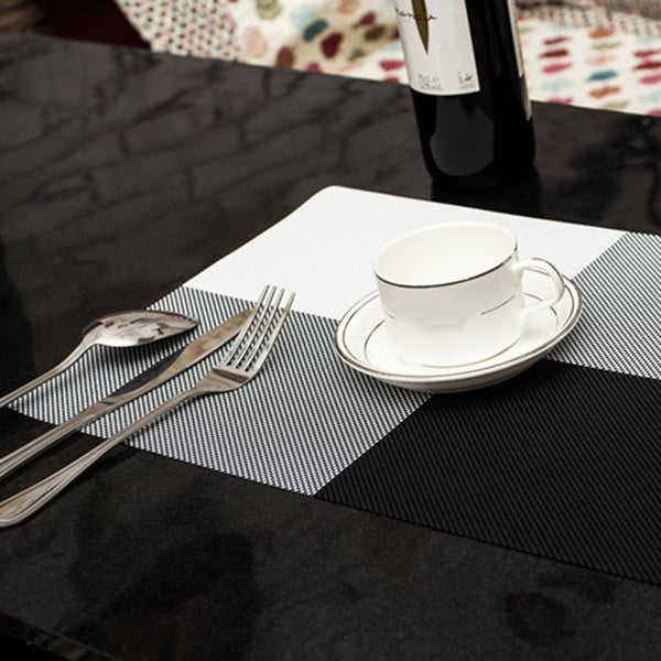 Pack of 12 - 6 Table Placemats & 6 Coasters - Black & White