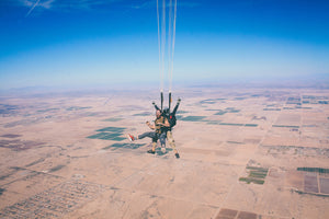 5 Cool Places to Go Skydiving