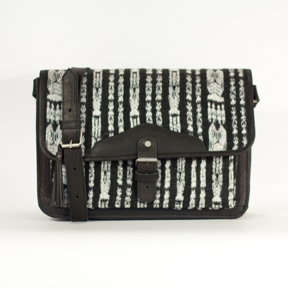 Corte Escuela Satchel Black + White Stripe