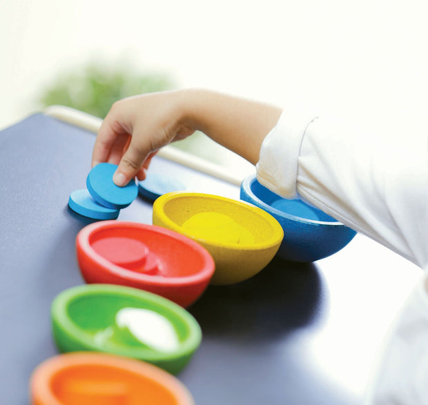 plan toys sort count cups 1
